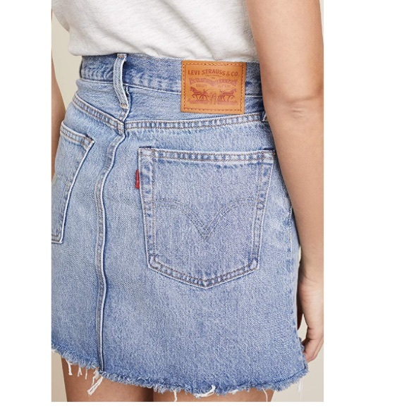 Levi's Dresses & Skirts - Levi's high waisted denim skirt - size 27